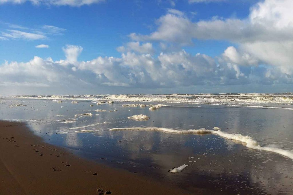 Noordwijk-zeer-golven